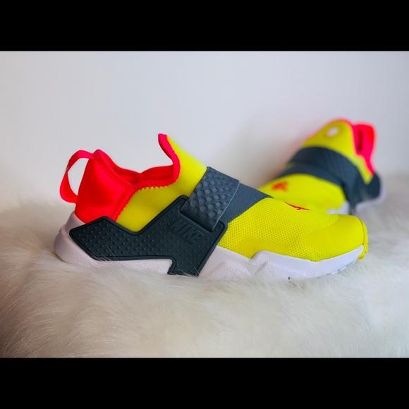 bfca4c7b527e6 Nike Huarache Extreme